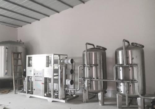 云南矿泉水设备案例展示
